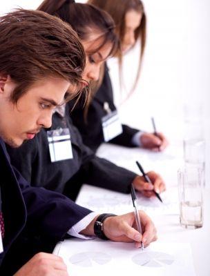 Mitarbeiterbefragung mit der Umfrage-Software InfoWiz